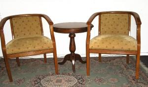 Sitiales canasto con mesa lateral redonda